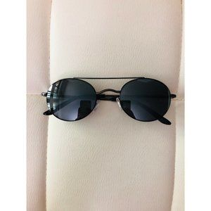 Round fame Black Sunglasses